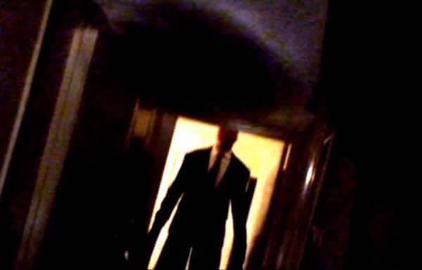 vizor obrázky dukaz existuje slender man creepy scary game darktown.cz děsivé příběhy creepypasty darkweb deepweb záhady zajímavosti vysoký muž děti únosy