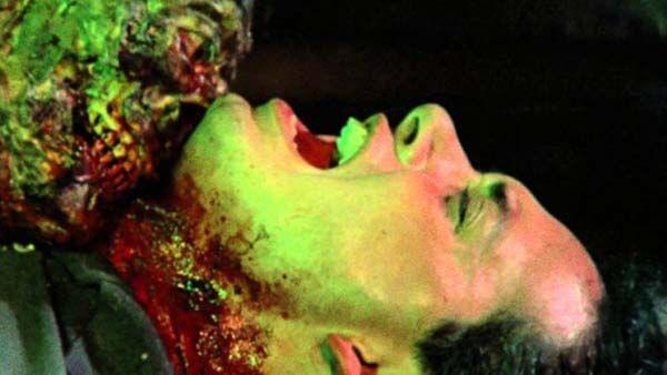 Zombie Flesh Eaters 2 Zombi 3 recezne review gore horror film movie darktown.cz creepypasta fulci